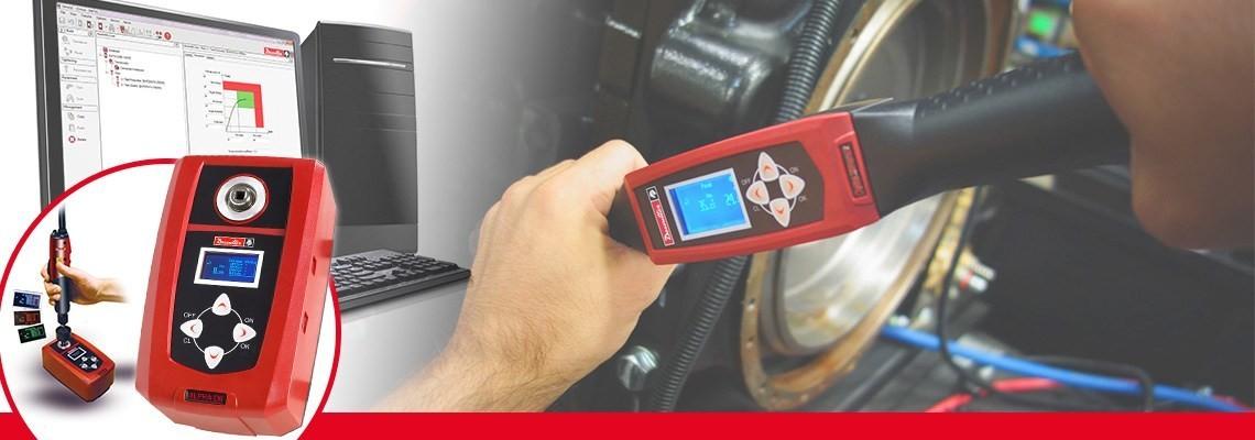 Digitální zařízení ke zkoušení utahovacího momentu Alpha vyvinuté společností Desoutter Tools vám umožní sledování a shromažďování výsledků kontrol utahovacích momentů ze šroubováků, momentových klíčů nebo rohatkových klíčů.